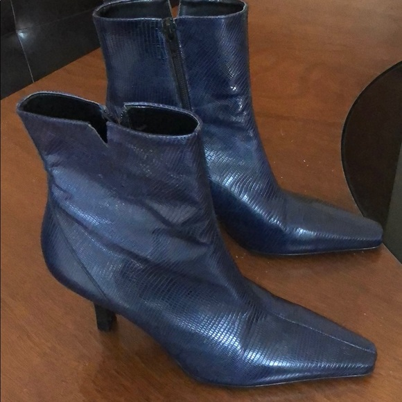 5ffeffcb7fa Gianni Bini Ankle boots navy blue sz 7